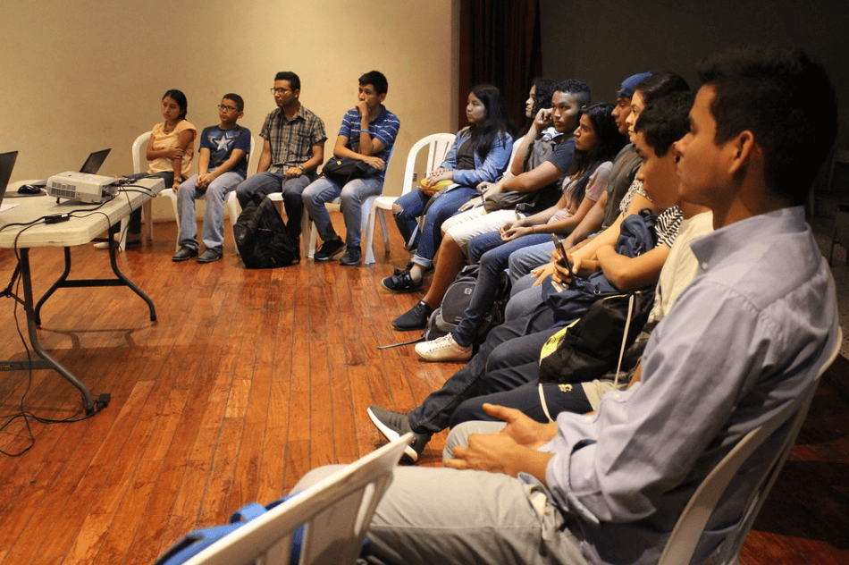 Jovenes-liderando- el-futuro